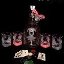 Póker kártyás- gravírozott, pálinkás készlet , Férfiaknak, Sör, bor, pálinka, Pálinkás készlet póker kártyát kedvelőknek, saját tervezésű, kivitelezésű. Fél literes , csatos üveg..., Meska