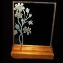 Margarétás- gravírozott tükörlap, Dekoráció, Esküvő, Dísz,  Szabad kézzel gravírozott margaréta virágokkal díszítettem ezt a tükörlapot. A minta egy szabadon f..., Meska