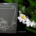 Virágos pergamen-Gravírozott üveg plakett, Dekoráció, Dísz, Egy -egy alkalom mindig adódik az életünkben,  amikor egy emléket szeretnénk az alkalomra ajándékozn..., Meska