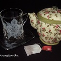 Gravírozott, rózsás,teás készlet-teafiltertartó, textil kancsó, Konyhafelszerelés, Bögre, csésze, Edényalátét, Kancsó , Gravírozás, pirográfia, Varrás, Kézi gravírozással készítettem a rózsás mintát a pohárra, amibe 2, 6 dl teát lehet tölteni, de kávé..., Meska