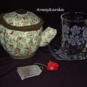 Gravírozás teás pohár-textil teáskancsó teafilternek, Konyhafelszerelés, Bögre, csésze, Kancsó , Gravírozás, pirográfia, Varrás, Egy barátnő vagy kolléganő születésnapjára ajánlom ezt a teás szettet, ami egy textilből varrt teás..., Meska