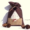 KIÁRUSÍTÁS: Rusztikus mikulás zsák (bordó lenvászon, fehér fenyővel), Dekoráció, Karácsonyi, adventi apróságok, Ünnepi dekoráció, Ajándékzsák, Eredeti ár: 1790 Ft Olvasd el a kiárusításra vonatkozó feltételeket!!!!!!  Ünnepi hangulatú, szép sö..., Meska