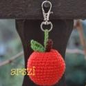 Almás  kulcstartó, Fonalamból alma készült karabínerrel rögzíth...