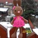 Horgolt nyuszi lány Szegfű, 100 % pamut fonalból készült ruhácskás kedves...