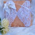 Pillangós napsugaras - esküvői gyűrűpárna csipkével, Esküvő, Gyűrűpárna, Varrás, Csodálatos csipkék és napsárga fényes szövet alkotják a párnát, rajta egy szatén pillangóval, amely..., Meska