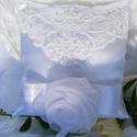 Fehér elegancia -  tradicionális gyűrűpárna, csupa elegancia, Esküvő, Gyűrűpárna, Varrás, Fehér elegáns gyűrűpárna, finom részletekkel,  romantikus és hagyományőrző menyasszonyok nektek kés..., Meska
