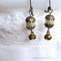 Vintage fülbevaló - ekrü gyöngy  valódi antik fityegő gyönggyel, Ékszer, Esküvő, Fülbevaló, Esküvői ékszer, Ékszerkészítés, Itt ez a fülbevaló nem csak nevében vintage, mert az ekrü gyöngyön fityegő kisebb gyöngy valóban an..., Meska