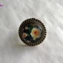 Rózsás üveglencsés gyűrű, Ékszer, Gyűrű, Saját fotó felhasználásával készült ez a szép üveglencsés, rózsavirágos gyűrű.  A gyű..., Meska