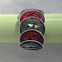 Oliva zöld - bordó kávékapszula karkötő, Ékszer, Karkötő, Oliva zöld és bordó kávékapszulák születtek újjá ebben a karkötőben. Nagyon dekoratív, különleges, t..., Meska