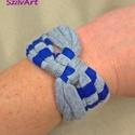Kockás textil karkötő - kék-szürke csíkos, Ékszer, Karkötő, Pólófonalból készítettem ezt a kockás karkötőt, csíkos mintás kék és szürke árnyalatokban. Játékos, ..., Meska