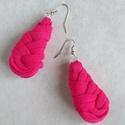 Csepp alakú textil fülbevaló - PINK, Ékszer, Fülbevaló, Pink pólófonalból kanyarintottam, csomóztam ezt a csepp alakú fülbevalót. Könnyű viselet télen-nyáro..., Meska