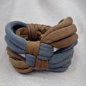 Kockás textil karkötő - khaki-barna, Ékszer, Karkötő, Pólófonalból készítettem ezt a kockás karkötőt, khaki és barna árnyalatokban. Kényelmes, puha kiegés..., Meska