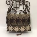 Kirakósdi táska, Téglalap alakú táska mérete 36cmx25cm,mélysé...