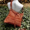 Apró képek Táska, Női táska mérete: 42cm x 35cm,cipzár hossza 34...