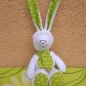 Húsvéti nyuszi, nyúl zöld fülekkel, Baba-mama-gyerek, Dekoráció, Húsvéti díszek, Játék, Valódi zöldfülű nyuszi született apró műhelyemben :)  Meleg, fehér thermo anyagból készül..., Meska