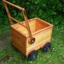 Húzós fakocsi és kistalicska megrendelésre, Játék, Kerti játék, Famegmunkálás, Újrahasznosított alapanyagból készült termékek, Ezeket a kerti játékokat megrendelésre készítem többek közt régi festett szekrényoldalakból, seprűn..., Meska