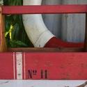 Rusztikus piros ládikó, Otthon, lakberendezés, Dekoráció, Tárolóeszköz, Régi fából készült rusztikus ládikót díszítettem! Antikoltam, viaszoltam! Beltérre ajánlom! Egyedi d..., Meska