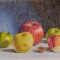Csendélet almákkal rajz, Művészet, Grafika & Illusztráció, Fotó, grafika, rajz, illusztráció, Eredeti, Kicsi és nagy című színes ceruza rajzom, mely különböző színű almákat és hagymákat ábrázol..., Meska