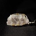 kunzit kristály medál, Ékszer, óra, Medál, Ékszerkészítés, Kunzit természetes/ csiszolatlan kristály medál ezüstözött és réz ékszerdrót foglalatban  ásvány mé..., Meska