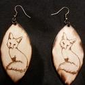 Égetett fa fülbevaló 3, Ékszer, Fülbevaló, Kézzel készített egyedi , különleges égetett fa fülbevaló róka mintával. Anyaga fém és r..., Meska