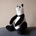 Panda, különböző színekben kapható, Baba-mama-gyerek, Játék, Gyerekszoba, Plüssállat, rongyjáték, Baba-és bábkészítés, Varrás, Ez a kis pandamackó különösen puha és ölelni való. 25 cm magas. Anyaga nagyon puha plüss, az arca p..., Meska