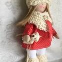 Téli baba, Baba-mama-gyerek, Dekoráció, Játék, Baba, babaház, A baba kis piros ruhába és kézzel kötött kiegészítőkbe öltözött:) Haja, baba haj, sapkáj..., Meska