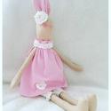 Nyuszi, Dekoráció, Játék, Plüssállat, rongyjáték, Textil nyuszi rózsaszín ruhában, horgolt kiegészítőkkel.a nyuszi kb.40cm magas. Töltete: poli..., Meska