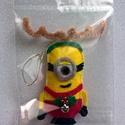 Minion, minyon karácsonyfadísz, ajándékkísérő, Dekoráció, Ünnepi dekoráció, Karácsonyi, adventi apróságok, Kiváló kiegészítő ajándékhoz, mikuláscsomaghoz vagy dekorációnak-karácsonyfadísznek.  Ag..., Meska