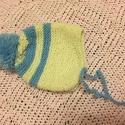 Baba sapka - újszülött kisfiúnak, Baba-mama-gyerek, Baba-mama kellék, Kötés, Kék-sárga csíkos saját készítésű, kézzel kötött sapka,újszülött kisfiú babának .  A sapka átmérője:..., Meska
