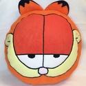 Garfield párna, Baba-mama-gyerek, Otthon, lakberendezés, Lakástextil, Párna, Garfield párna polárból,töltővattával töltve.  Mérete: 34cmx34cm Mosógépben 40 fokon mosha..., Meska