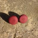 Vörösbor gombfülbevaló, Vörösbor/burgundi vörös design textillel bevon...