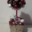 Karácsonyi asztaldísz, Dekoráció, Ünnepi dekoráció, Karácsonyi, adventi apróságok, Karácsonyi dekoráció, Virágkötés, Egy kosarat tűzőhabbal béleltem ki, amibe egy csaplécet szúrtam és hungarocel golyót raktam a léc t..., Meska