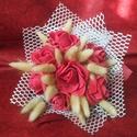Rózsás csokor, Dekoráció, Szerelmeseknek, Esküvő, Csokor, Polifóm rózsákat száraz növényi részekkel csokorba kötöttem és vetexel és selyem papírra..., Meska