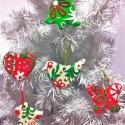 mese karácsonyfadísz zöld piros fehér, Dekoráció, Dísz, Karácsonyi, adventi apróságok, Karácsonyfadísz, ..és egy újabb garnitúra most piros-fehér-zöldben.. melyben 5 db különböző formájú,-szín..., Meska