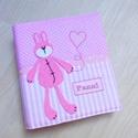 Baba FOTÓALBUM névvel hímezve, rózsaszín nyuszis, Bear and Bunny, Baba-mama-gyerek, Naptár, képeslap, album, Baba-mama kellék, Fotóalbum, Vidám és egyedi baba fotóalbum, a Bear&Bunny sorozat nyuszi figurájával díszítve, a baba nevével hím..., Meska