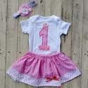 Szülinapi babaruha, body és szoknya, rózsaszín-csillagos, Ruha, divat, cipő, Gyerekruha, Baba (0-1év), Kisgyerek (1-4 év), Varrás, Hímzés, Egyedi babaruha a nagy napra!   Kétrészes baba/kisgyermek szülinapi ruha:  100 % pamut body, nagy e..., Meska