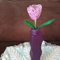 Virág gyöngyből, A tulipánt drót és 2 mm-es kásagyöngy felhasz...