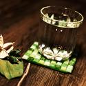 Zöld poháralátét , Dekoráció, Otthon, lakberendezés, Dísz, Asztaldísz, Mozaik, Festett tárgyak, Saját kezűleg készített, a zöld árnyalataiban pompázó kövekből kirakott poháralátétet látod épp. Eg..., Meska