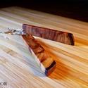 Cédrusfa fülbevaló, Ékszer, Fülbevaló, Cédrusfából készült fülbevaló. Lenolajjal és méhviasszal felület kezelve. Hossza : 60 mm, Meska