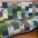 Patchwork takaró a zöld 50 árnyalata, Otthon, lakberendezés, Lakástextil, Takaró, ágytakaró, Patchwork, foltvarrás, Ez a takaró már elkelt. Mérete:250X150 cm. Mosógépben 30 C -on mosható. Vliessel bélelve.  Ha elnye..., Meska