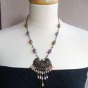 Luxor - antik bronz nyaklánc, Ékszer, Nyaklánc, Ékszerkészítés, Lila és bézs cseh üveggyöngyöket dolgoztam rá egy antik bronz medálalapra. A nyaklánc hossza: kb.50..., Meska