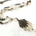 Jégkirálynő - bronz nyaklánc, Ékszer, Nyaklánc, Áttetsző üveggyöngyök és bronz függők alkotják ezt a nyakláncot. Hossza: 55 cm.  , Meska