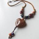 Lila szív kerámia nyaklánc, Különböző színű kerámiagyöngyök és fém ...