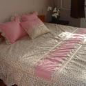Vintage ágytakaró, Otthon, lakberendezés, Lakástextil, Takaró, ágytakaró, Varrás, Patchwork, foltvarrás, Fodros ágytakaró franciaágyra 3 db párnával. Három rétegből áll. Külső rétegek 100% pamutból, belül..., Meska