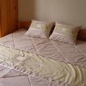 Matyó mintás ágytakaró-beige, Otthon, lakberendezés, Lakástextil, Takaró, ágytakaró, Varrás, Patchwork, foltvarrás, Ágytakaró franciaágyra két párnával.  Külső réteg 100% pamut, belül vatelin. Méret:210x210 cm  40 f..., Meska