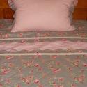 Romantikus ágytakaró, Otthon, lakberendezés, Lakástextil, Takaró, ágytakaró, Varrás, Rózsás, csíkos és pöttyös, egymással jól harmonizáló anyagokból álló takaró 1 db párnával.  Mérete:..., Meska