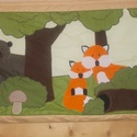 Mesél az erdő falvédő- kicsinyek, Baba-mama-gyerek, Gyerekszoba, Falvédő, takaró, Patchwork, foltvarrás, Varrás, Falvédő sok-sok erdei állattal, világos barna kerettel. Mérete 190x65 cm. 100%pamut elő- és hátlapp..., Meska