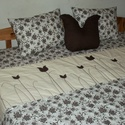 Tulipános ágytakaró-krém-barna