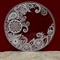 Henna-mintás mandala, Dekoráció, Otthon, lakberendezés, Kép, Falikép, Festészet, Üvegművészet, Henna mintázatot idéző, fehér csipkés mandala. Kézzel vágott-csiszolt, 18 cm-es üveglapra készült, ..., Meska