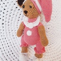 Horgolt macilány rózsaszín pizsamás, Baba-mama-gyerek, Játék, Játékfigura, Horgolt maci magassága:30-35cm. A fonal amiből készült nem szöszösödik,szemei biztonsági szemek,nem ..., Meska